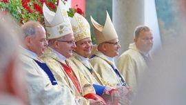 Najmłodszy stażem biskup świata na Wielkim Odpuście w Limanowej