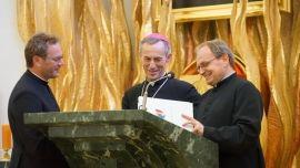 Wręczenie nominacji na nowe parafie dla księży wikariuszy - ZDJĘCIA